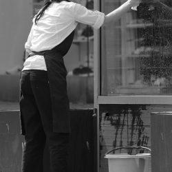 ניקוי חלונות ותריסים בתל אביב